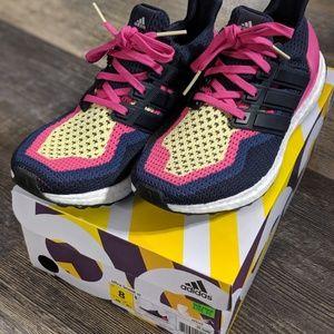 Adidas Women's Ultra Boost Running Shoes sz 8